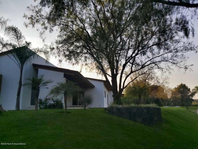 Casa Queretaro>Corregidora>Balvanera Polo y Country Club - Venta:16.000.000 Pesos - codigo: 21-20
