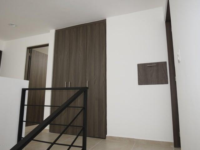 Casa Queretaro>Queretaro>El Refugio - Renta:12.000 Pesos - codigo: 21-112