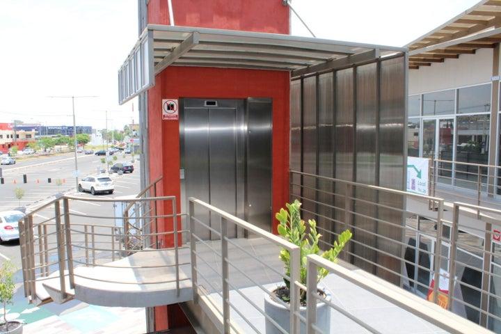 Bodega Queretaro>Corregidora>El Pueblito - Renta:9.300 Pesos - codigo: 21-163