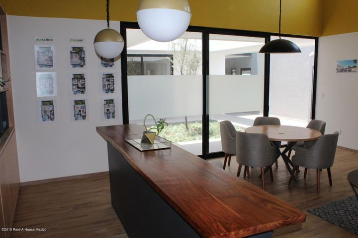 Casa Queretaro>Corregidora>El Condado - Venta:3.890.988 Pesos - codigo: 21-289