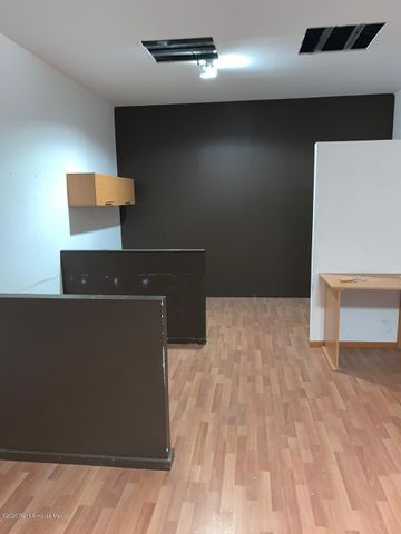Oficina Queretaro>Queretaro>Jurica - Renta:15.600 Pesos - codigo: 21-362