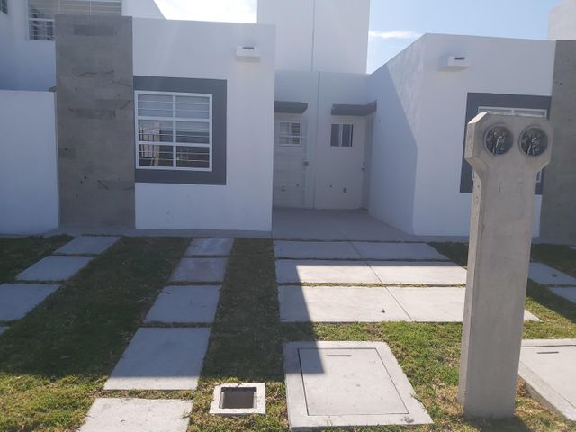 Casa Queretaro>Queretaro>Eduardo Loarca - Venta:675.000 Pesos - codigo: 21-428