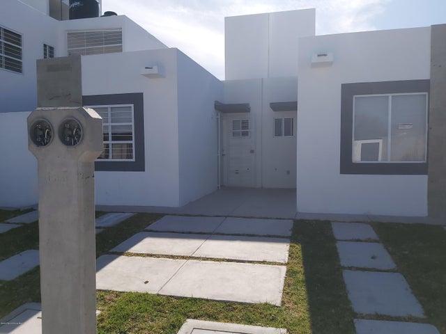 Casa Queretaro>Queretaro>Eduardo Loarca - Venta:779.999 Pesos - codigo: 21-428