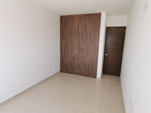 Casa Queretaro>El Marques>Rincones del Marques - Venta:2.050.000 Pesos - codigo: 21-448