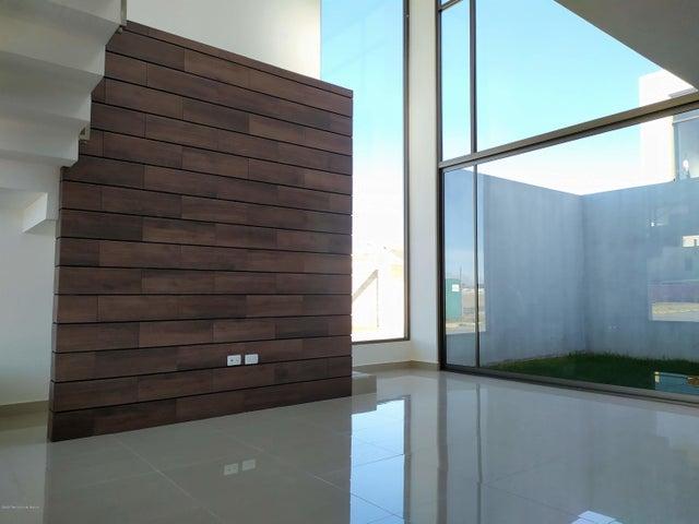 Casa Hidalgo>Pachuca de Soto>Rancho La Colonia - Venta:2.350.000 Pesos - codigo: 21-516