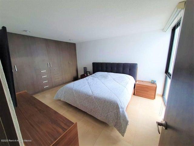 Casa Queretaro>El Marques>Zibata - Venta:3.070.000 Pesos - codigo: 21-582