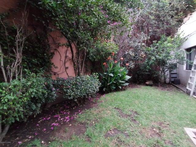 Casa Estado de Mexico>Naucalpan de Juarez>Lomas de Tecamachalco - Venta:14.000.000 Pesos - codigo: 21-592