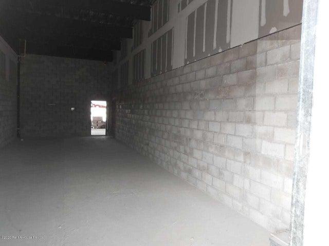 Local Comercial Queretaro>Queretaro>El Refugio - Renta:26.600 Pesos - codigo: 21-651