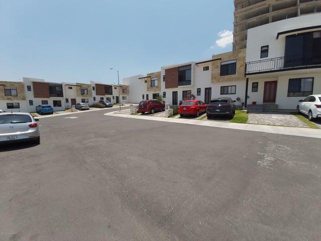 Casa Queretaro>Queretaro>Cumbres de Juriquilla - Venta:2.495.000 Pesos - codigo: 21-735