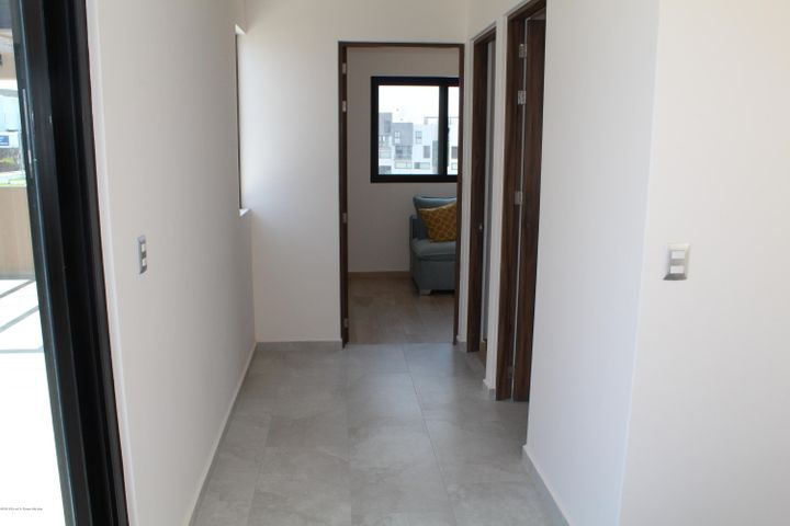 Casa Queretaro>El Marques>Zibata - Venta:5.975.200 Pesos - codigo: 21-770