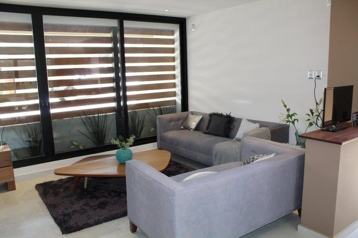 Casa Queretaro>El Marques>Zibata - Venta:5.564.890 Pesos - codigo: 21-773