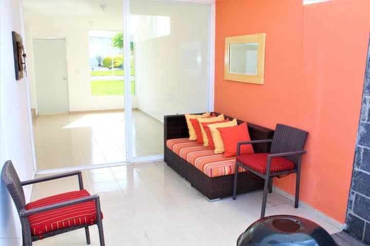 Casa Queretaro>Queretaro>Ciudad Del Sol - Venta:926.000 Pesos - codigo: 21-822