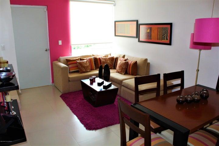 Casa Queretaro>Queretaro>Ciudad Del Sol - Venta:941.000 Pesos - codigo: 21-823
