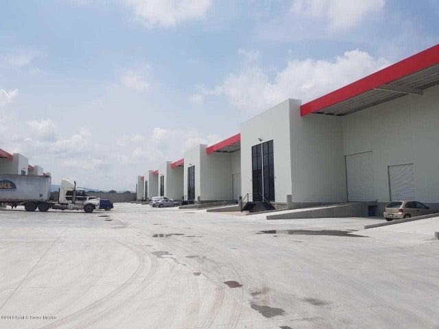 Nave Industrial Queretaro>Corregidora>Los Angeles - Renta:31.460 Pesos - codigo: 21-1207