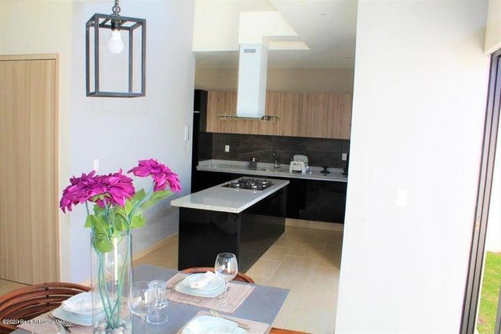 Casa Queretaro>El Marques>Zibata - Venta:3.100.000 Pesos - codigo: 21-1215