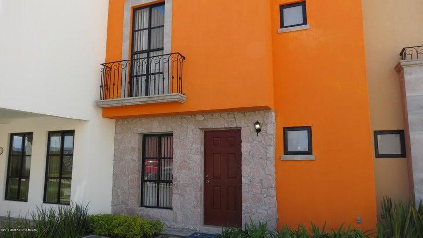 Casa Guanajuato>San Miguel Allende>Zirandaro - Venta:2.110.000 Pesos - codigo: 21-1267