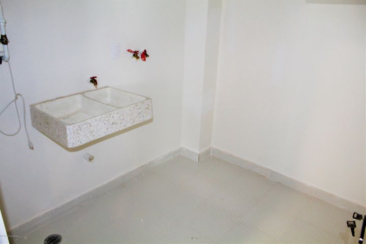 Departamento Queretaro>El Marques>Zibata - Venta:2.950.000 Pesos - codigo: 21-1353