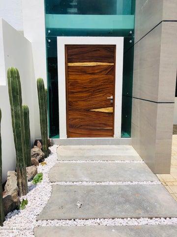 Casa Queretaro>El Marques>Zibata - Venta:3.980.000 Pesos - codigo: 21-1394