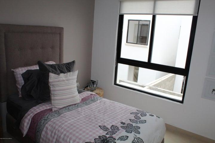 Casa Queretaro>Corregidora>El Condado - Venta:1.943.500 Pesos - codigo: 21-1722