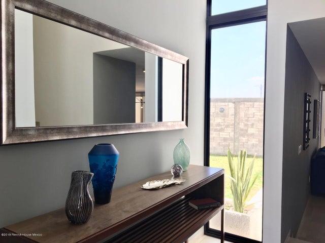 Casa Queretaro>El Marques>Zibata - Venta:2.881.100 Pesos - codigo: 21-1798