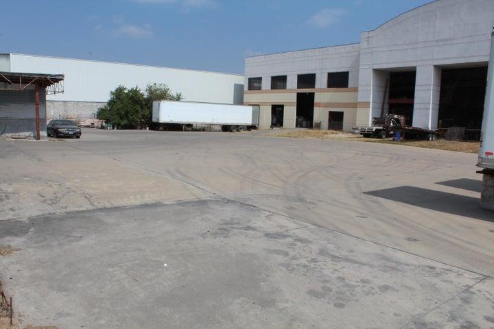 Bodega Queretaro>El Marques>Parque industrial Bernardo Quintana - Renta:390.000 Pesos - codigo: 21-1857