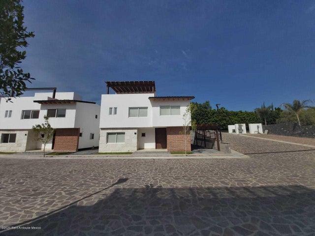 Casa Queretaro>Corregidora>Balvanera Polo y Country Club - Venta:8.700.000 Pesos - codigo: 21-1969