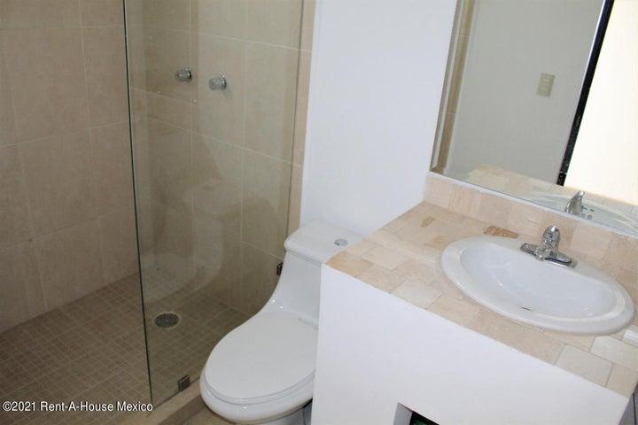 Casa Queretaro>El Marques>Zibata - Renta:13.500 Pesos - codigo: 21-2060
