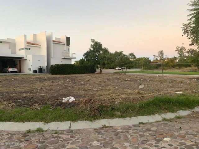 Terreno Queretaro>Queretaro>El Campanario - Venta:7.100.000 Pesos - codigo: 21-2243