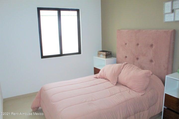 Casa Queretaro>El Marques>Zibata - Venta:3.580.000 Pesos - codigo: 21-2273