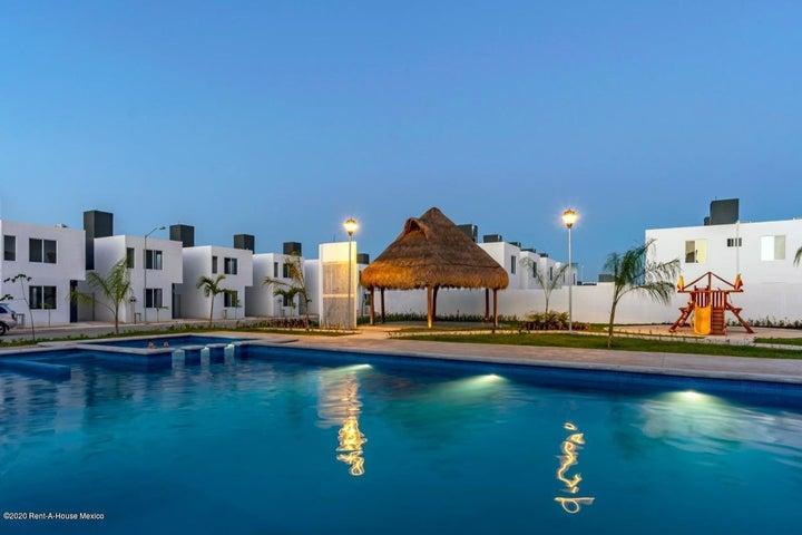 Casa Yucatan>Kanasin>Residencial Las Palmas - Venta:639.000 Pesos - codigo: 21-2284