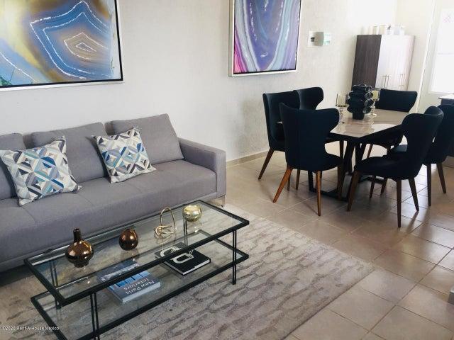 Casa Yucatan>Kanasin>Residencial Las Palmas - Venta:1.007.000 Pesos - codigo: 21-2294