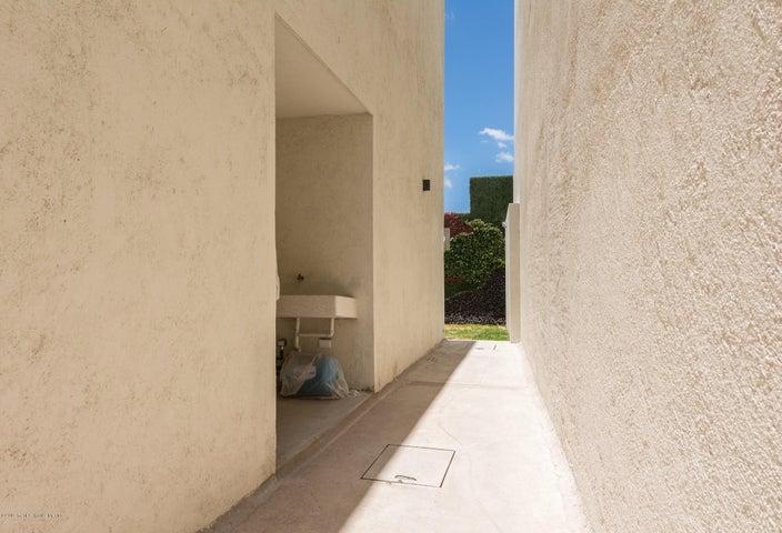 Casa Queretaro>El Marques>Zibata - Venta:3.380.000 Pesos - codigo: 21-2346