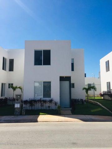 Casa Yucatan>Kanasin>Residencial Las Palmas - Venta:1.007.000 Pesos - codigo: 21-2379