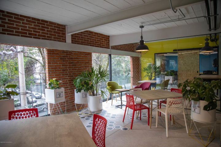 Oficina Distrito Federal>Miguel Hidalgo>Granada - Renta:17.714 Pesos - codigo: 21-2427