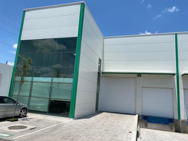 Nave Industrial Queretaro>El Marques>Parque industrial Bernardo Quintana - Renta:28.500 Pesos - codigo: 21-2458