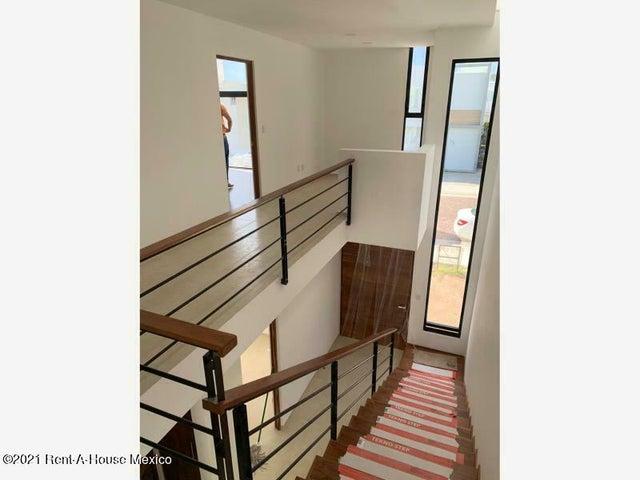Casa Queretaro>Corregidora>Canadas del Lago - Venta:3.550.000 Pesos - codigo: 21-2665