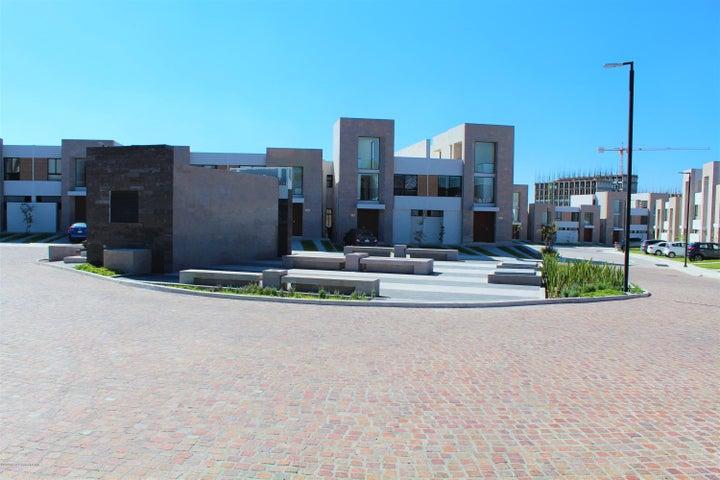 Casa Queretaro>Queretaro>Altos de Juriquilla - Venta:2.281.000 Pesos - codigo: 21-2812