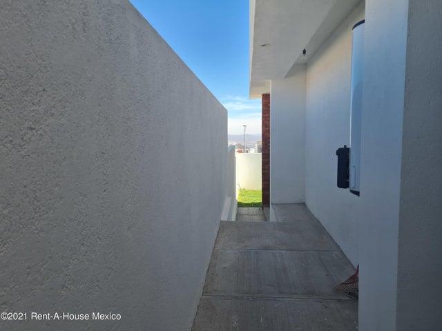 Casa Queretaro>El Marques>Zibata - Venta:3.900.000 Pesos - codigo: 21-2610