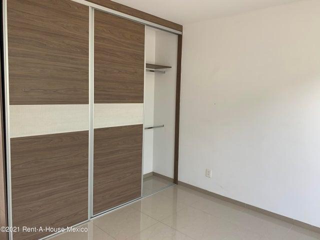 Casa Queretaro>Queretaro>Lomas del Campanario - Renta:11.000 Pesos - codigo: 21-2965
