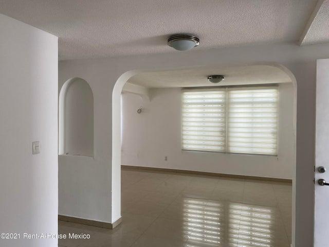 Casa Queretaro>Queretaro>Alamos 3era Seccion - Renta:17.000 Pesos - codigo: 21-2971