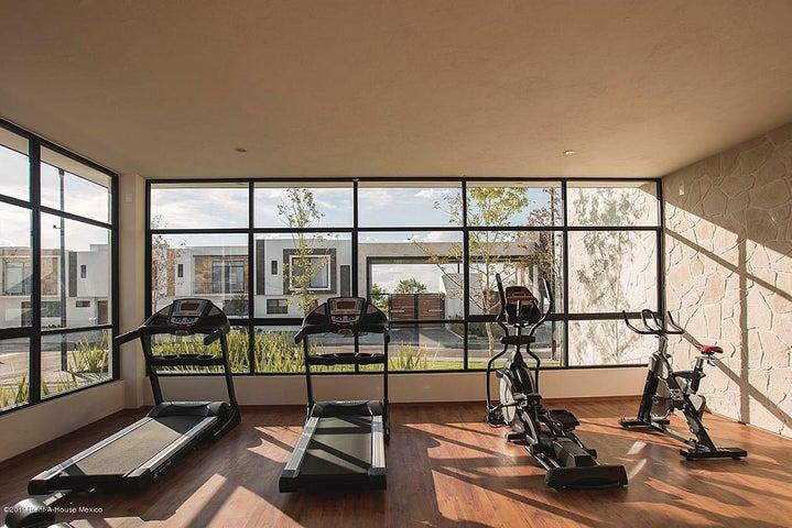 Casa Queretaro>Corregidora>El Condado - Venta:2.354.625 Pesos - codigo: 21-3243