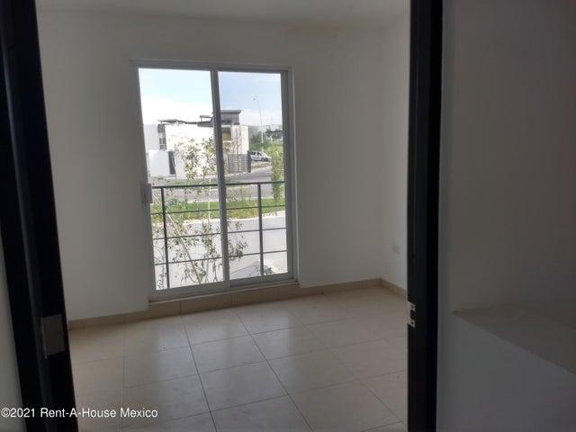 Casa Queretaro>El Marques>Zakia - Renta:9.000 Pesos - codigo: 21-3302