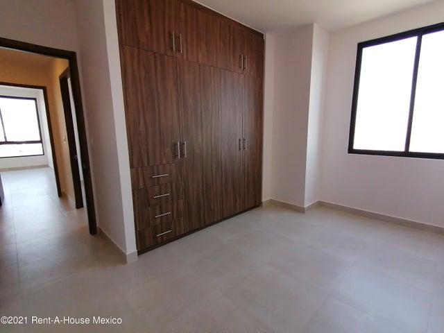 Departamento Estado de Mexico>Huixquilucan>Bosque Real - Renta:23.000 Pesos - codigo: 21-3365
