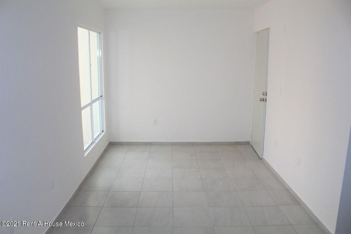 Departamento Queretaro>El Marques>La Pradera - Renta:5.500 Pesos - codigo: 21-3444