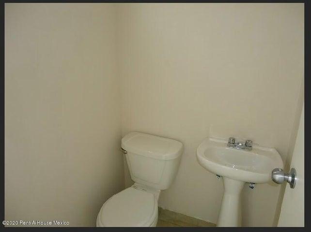 Casa Queretaro>Queretaro>El Mirador - Renta:9.500 Pesos - codigo: 21-3585