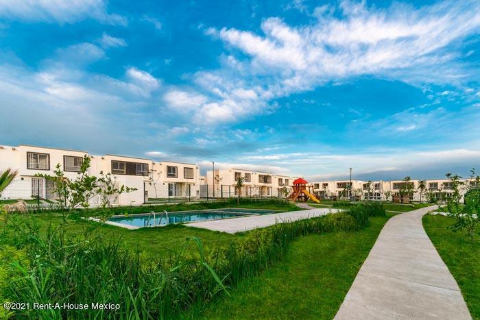 Casa Jalisco>El Salto>La Alameda - Venta:447.100 Pesos - codigo: 21-3672