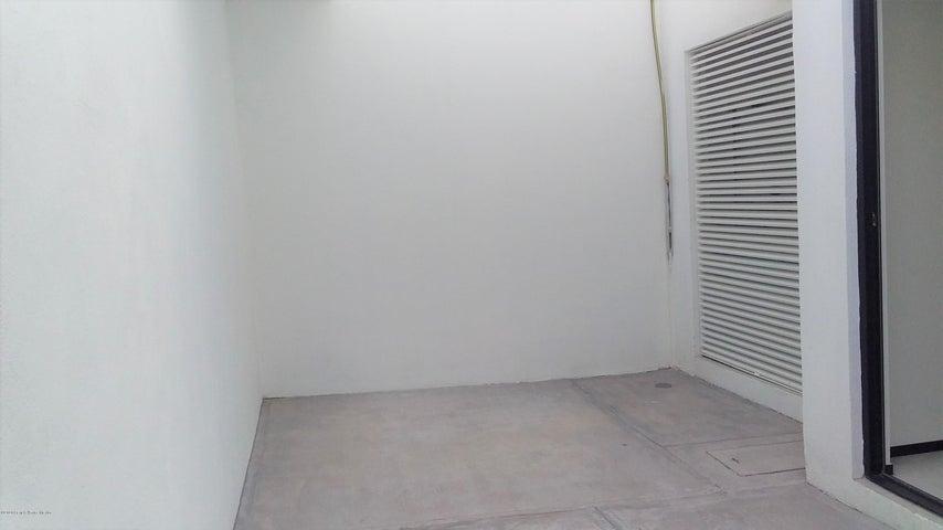 Departamento Queretaro>Corregidora>Los Olvera - Venta:2.020.000 Pesos - codigo: 21-3744