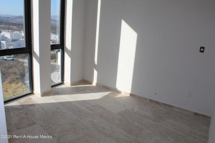 Departamento Queretaro>El Marques>Zibata - Renta:19.000 Pesos - codigo: 21-3751