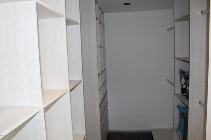 Departamento Queretaro>Queretaro>Cumbres del Lago - Venta:4.490.000 Pesos - codigo: 21-3769
