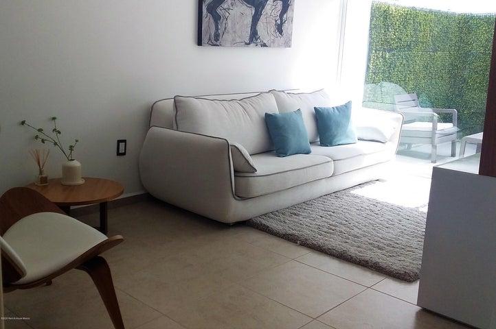 Casa Queretaro>Corregidora>Los Olvera - Venta:2.020.000 Pesos - codigo: 21-3781